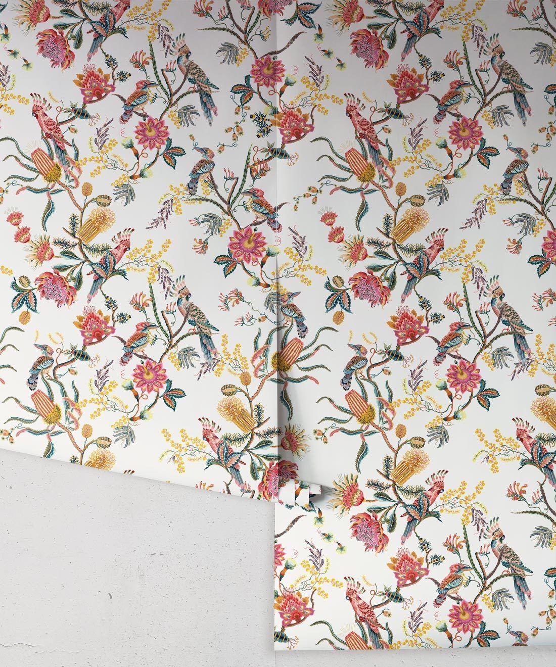 Matilda Wallpaper • Cockatoo, kookaburra • Australian Wallpaper • Milton & King USA • Oceania Roll