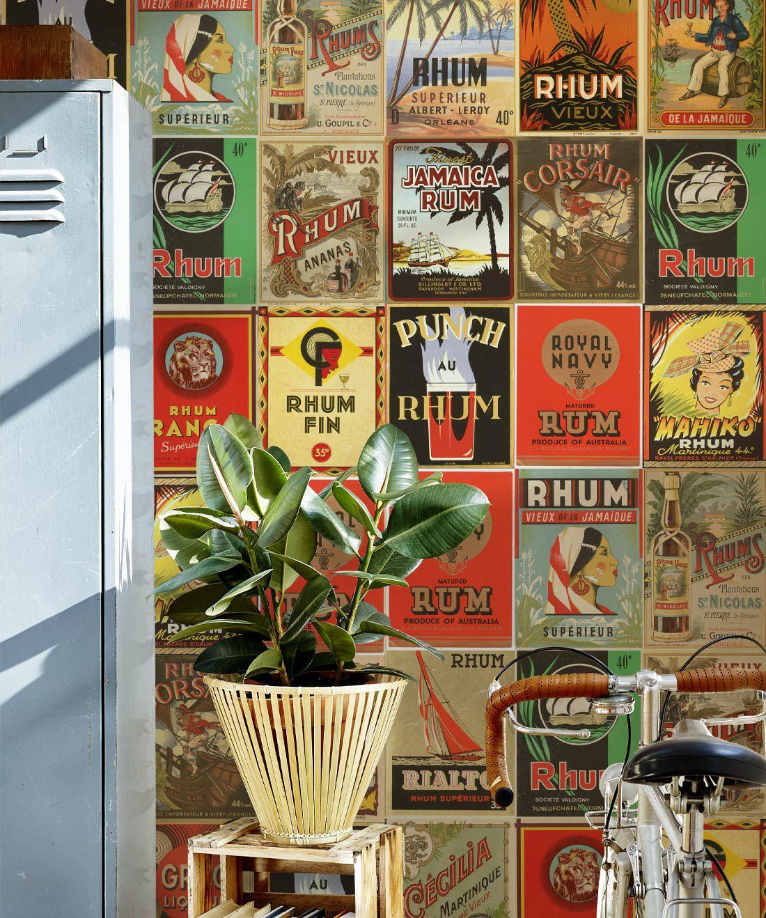 Caribbean Water - Rhum Wallpaper • Milton & King EU