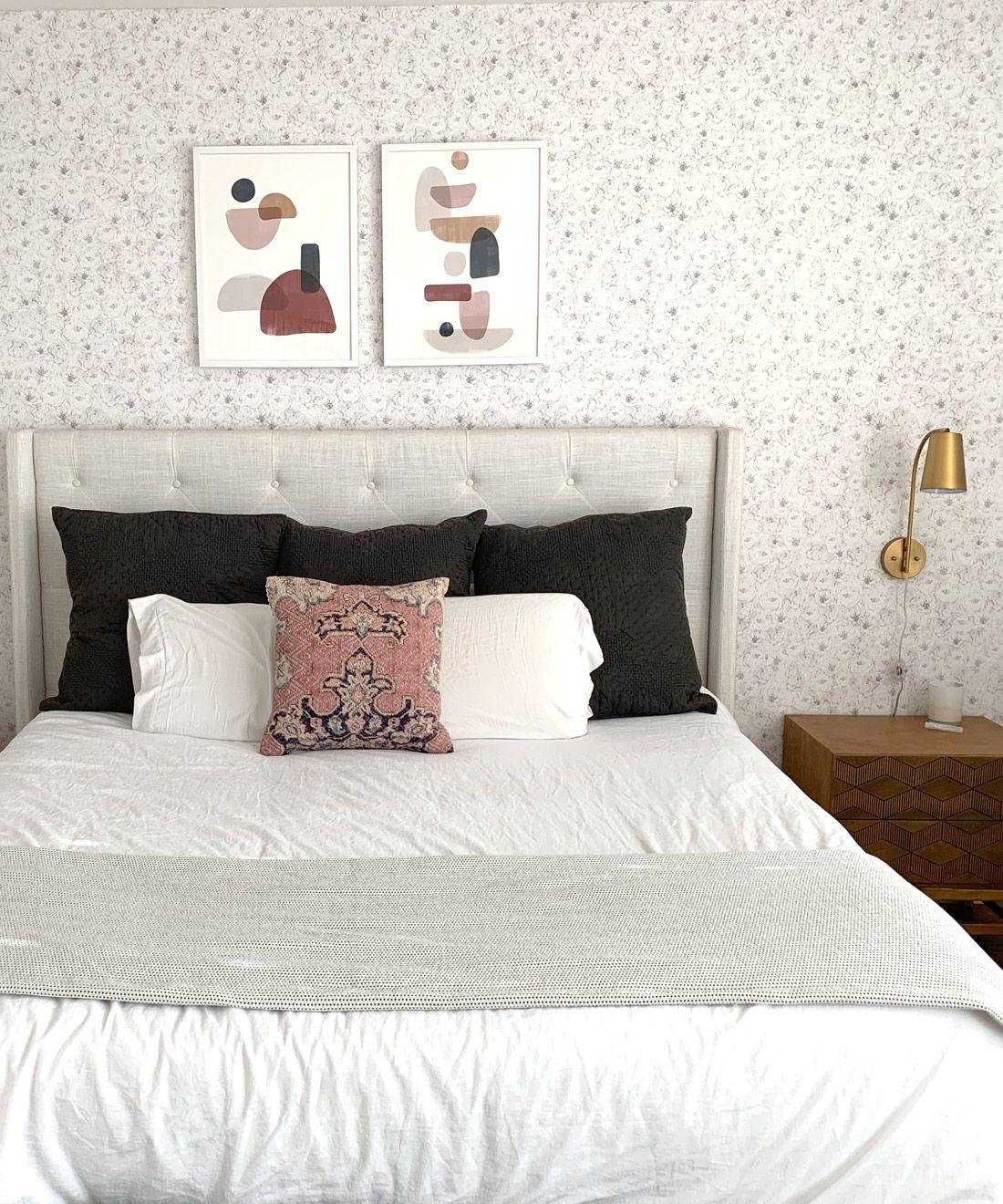 Peones & Anemones White Floral Wallpaper • Bedroom