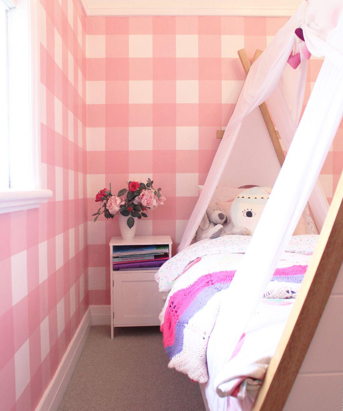 Buffalo Check Wallpaper • Little Kids Bedroom • Pink Plaid Wallpaper