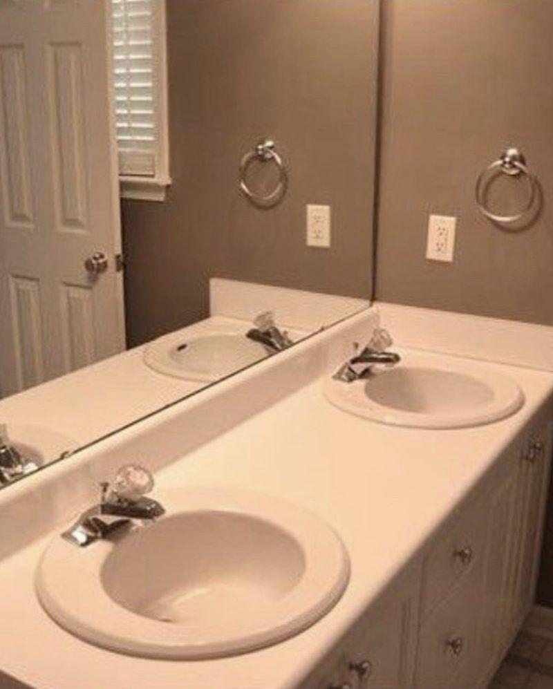 Sierra Joseph Plain Bathroom Before Refresh