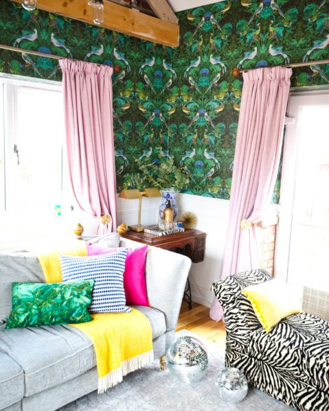 Birdlife • Green Wallpaper • Living Room Wallpaper