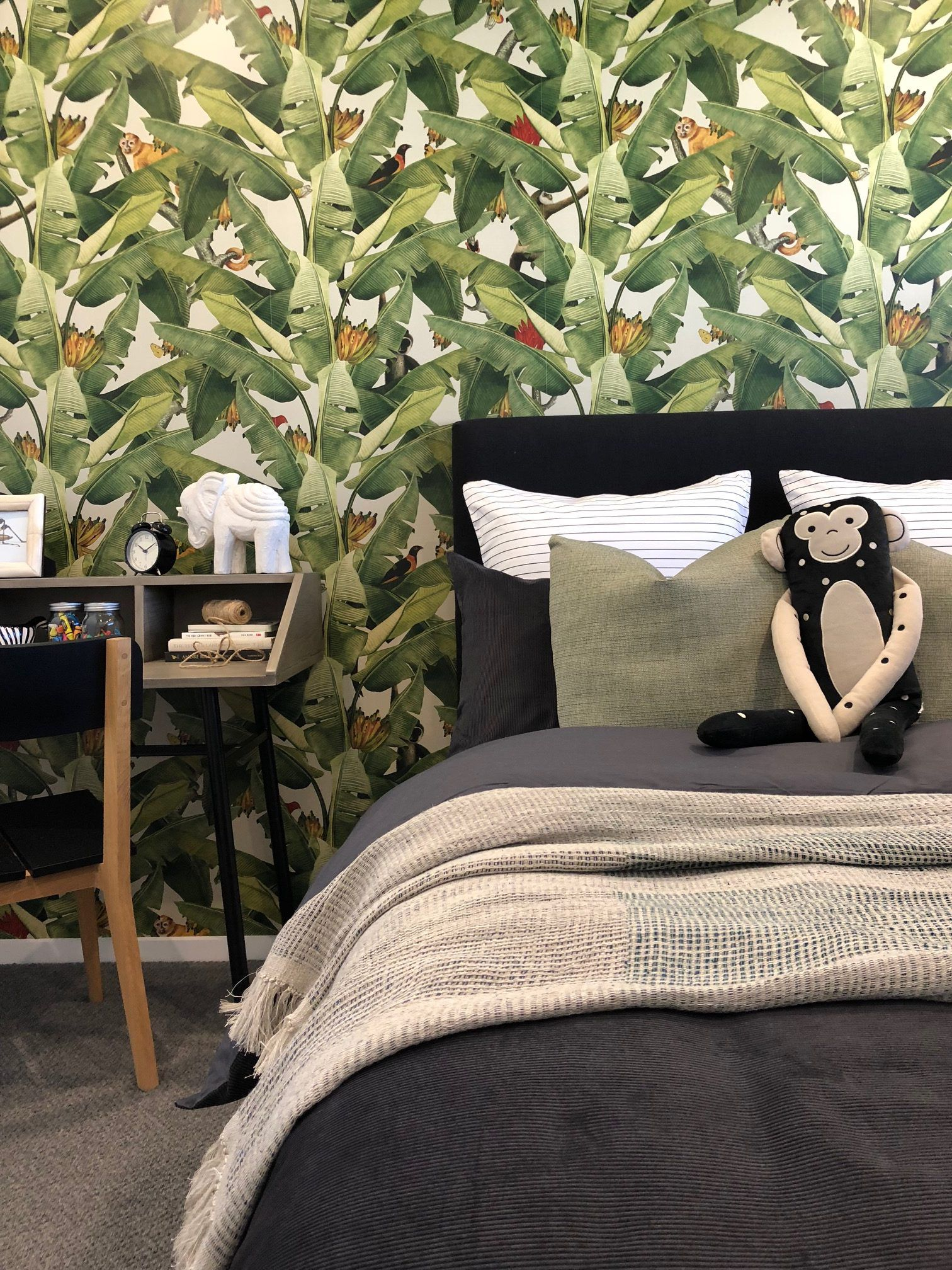 Jungle Fever Wallpaper • Kingdom Home • Tropical Bedroom • Kids Bedroom • Hannah • Urban Code