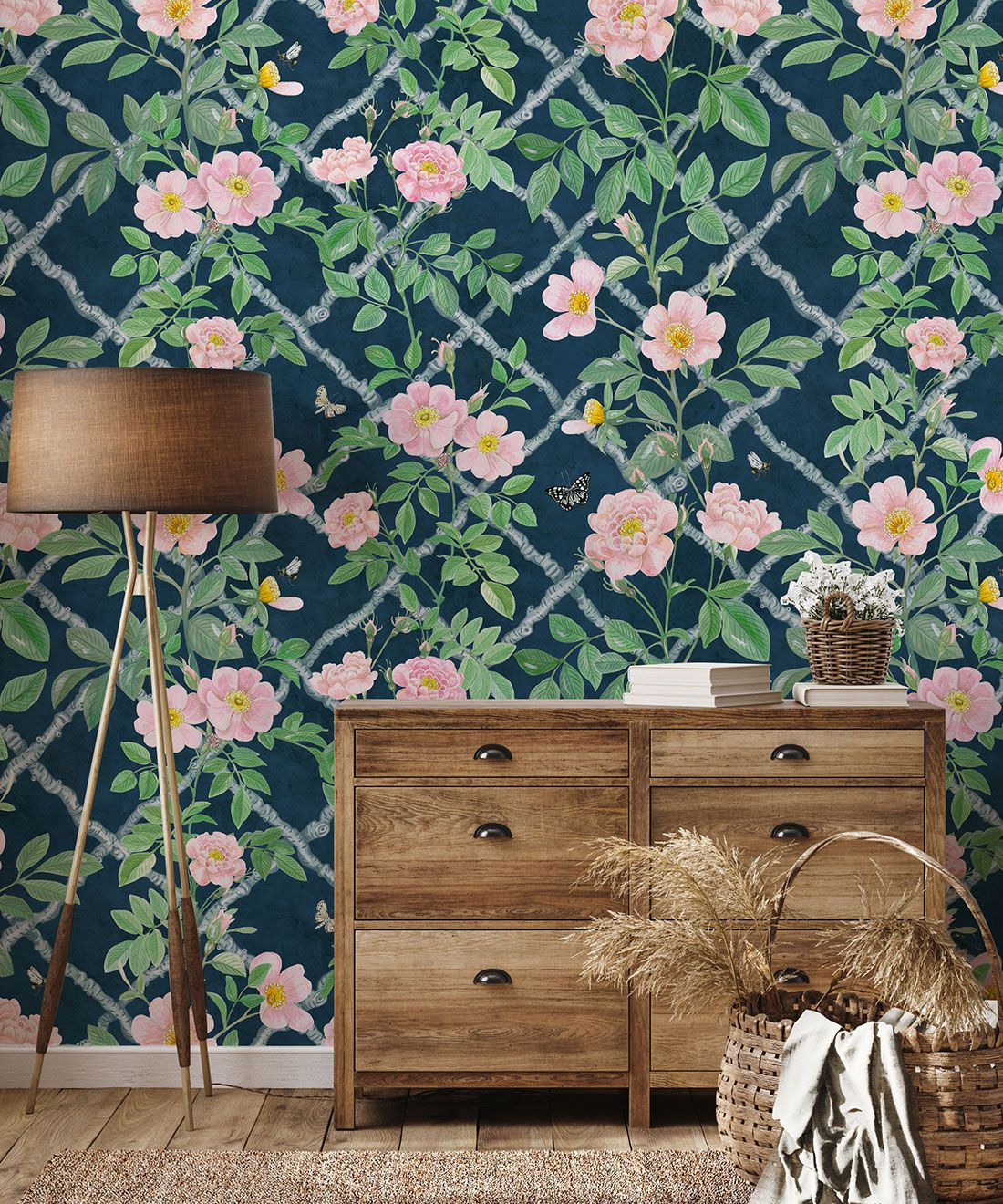 Treilage Wallpaper • Floral Wallpaper • Rose • Insitu